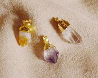 Little rough gemstone with golden leaf pendant, one of a kind. Cristal stone, yoga, meditation, boho chic, hippy. Amethyst, citrine, quartz