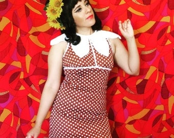 vintage mod mini polka dot dress with flower petal collar size s/m
