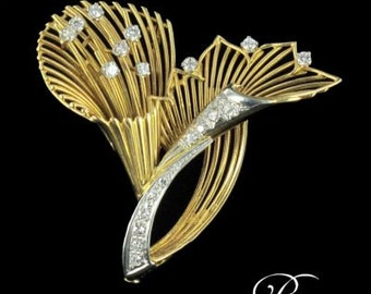 Brooch Vintage diamonds yellow gold 18K antique jewelry