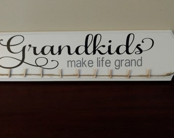 Grandkids Make Life Grand Photo Hanger.Photo Display. Grandkids Sign.Picture Frame.Picture Display. Mother's Day Gift Idea. Gift Idea.