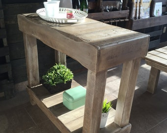 Pallets wood kitchen island