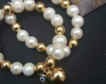 Of natural Pearl and gold filled Bangle set