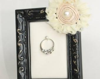 Framed Engagement Ring Holder