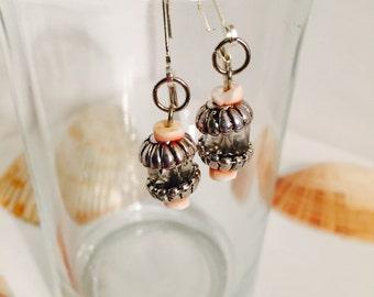 Pink Peach Drop Earrings w. Shell Detail