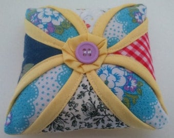 Cathedral Window Patchwork Pin Cushion (PC013)