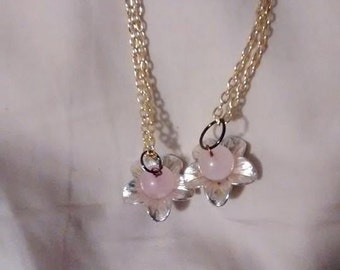 Rose quartz bead jewelry necklace