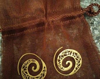 Amazon head Hunter copper earrings. Tribal/handmade/antique