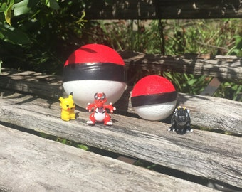 Surprise Bath Bomb with Pokemon Toy