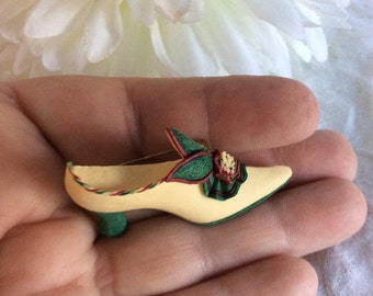 Vintage Shoe brooch.