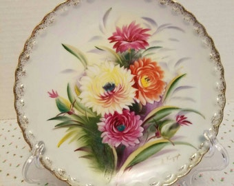 Kuyuya Handpainted Scalloped Plate