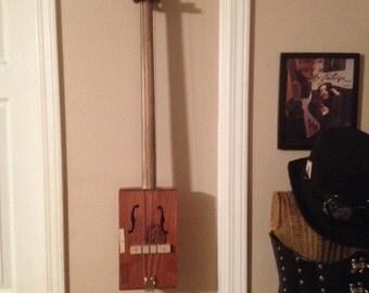 Cigar box fretless bass 3 string
