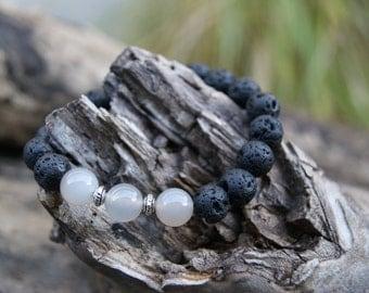 Bodhia, lava/Agate Bracelet (small + - 16, 5cm)