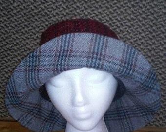 Reversible brimmed hat
