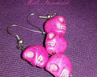 Earrings magenta skulls