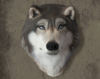 Wall hanging. Paper mache wolf