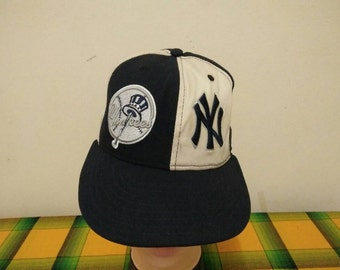 Rare vintage NEW YORK YANKEES cap hat one size fit all