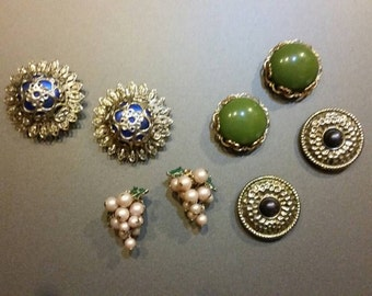 Magnets - Refrigerator Magnets Beautiful refrigerator or office magnets crafted from vintage jewelry.