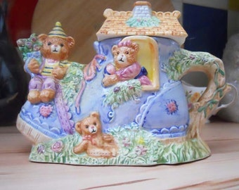 Cute Adorable Decorative Teapot - There was an old woman... Teddy Boot/Shoe House