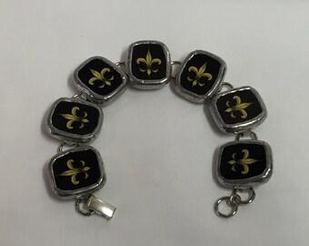 Antique Chinawear Fleur de Lis Bracelet - broken china #10,003