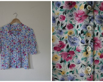 Bright Flowers Button Down Blouse // 1980's // Polyester // M L