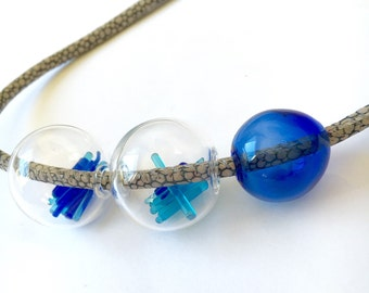 MAIA necklace. Lampwork and borosilicate glass / Borosilicate glass. Hollow spheres