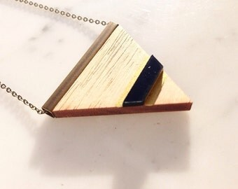 """Necklace """"Lou"""" in wood and Plexiglas"""