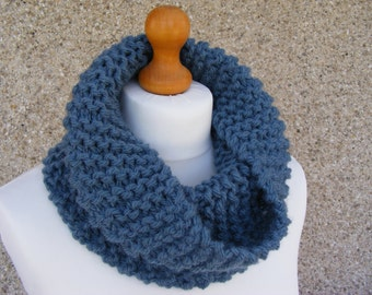 Chunky Knit Cowl, Blue Cowl, Short Infinity Scarf, Women's or Men's Cowl Scarf, Rustic Winter Neckwarmer, Blue Scarf, Hand Knitted Cowl