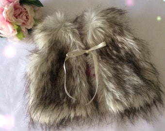 Girls Lux fur vest, fur coat, Gilet, Faux fur sz 6mth - 6years,