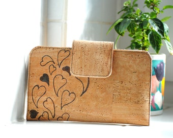 Vegan tattooed purse made of Cork - natural