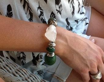 "11. Bracelet ""Queen""- Quartz and green stones"