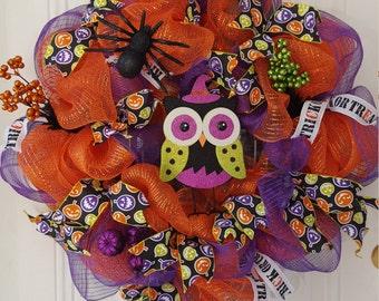 Halloween deco mesh owl wreath