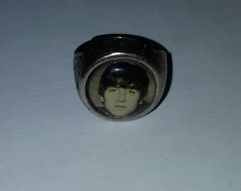 Beatles  John  Lennon  gumball ring