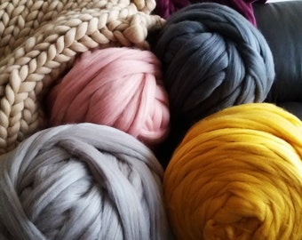 Giant chunky yarn 100 % merino wool tops yarn , to make chunky knittings cheap shipping good price 4 lbs!!! Almost  2 kg