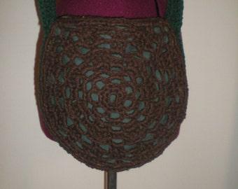 Green circular crotchet bag