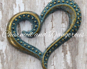 2 Antique Bronze Patina Dotted Heart pendant (P73)