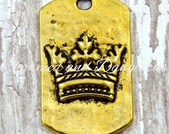 10 gold Puffy Crown Dog Tag charms (CM52)