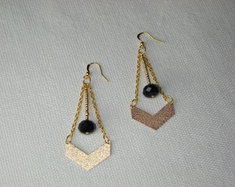 Chevron color earrings gold and Black Pearl