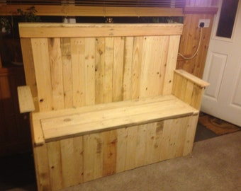 100% upcycled wood Settle