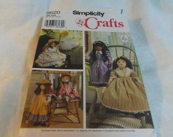 Doll and Clothes, 25 inch doll, Dresses, Bloomers, Collars, Uncut Pattern, Simplicity Crafts 9260