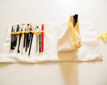 Pencil case pencils yellow polka dot fabric, rolled up 44.5 x 21.5 cm/roll-up pencil case (makeup-brushes-custody-case)