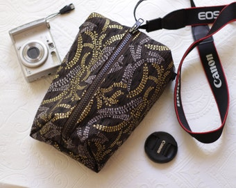 dslr Camera case for Men or Women Padded Travel bag Canon/Nikon/Fuji/Olympus Shoulder handbag insert Zipper purse Gift ideas for photografer