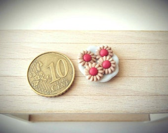 4 miniature cherry cookies in 1:12 scale ( 1 inch scale )