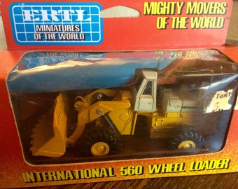 ERTL  Mighty movers. 1:80 scale die cast metal replica