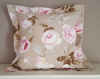 Flowers pillow Beige with roses