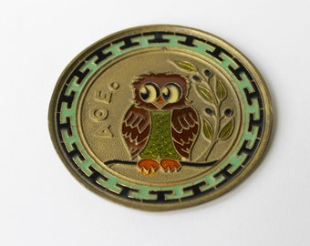 Vintage 1970's round brass wall plaque, featuring AOE Alpha Theta Epsilon sorority and a wise old enamelled owl.
