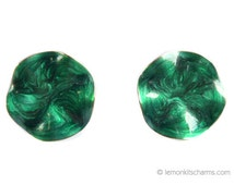Vintage 1985 Avon Green Crinkle Earrings, Pearlized Ruffle, Enamel Epoxy Goldtone, Round Pierced Post 1980s