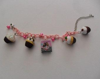 """Bracelet """"Georgetown Cupcakes"""""""