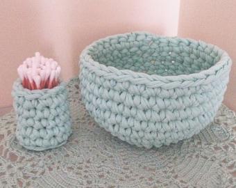 2 crochet basket.