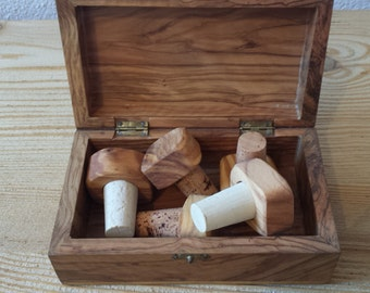 Olive wood and Cork stopper for bottles/bottles