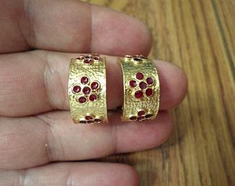 VINTAGE very nice  clip earrings /E1